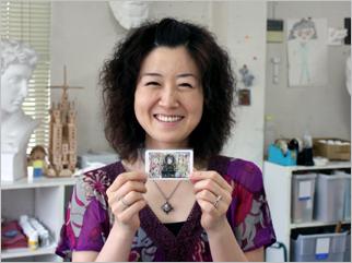2008年7月 SARAシルバー工房の美人さん