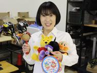 ぐずってしまう小さなお子さんは、松本さんが笑顔であやすそうです。